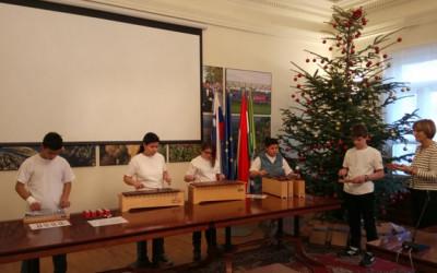 Nastop učencev v Mestni hiši Lendava/ Tanulóink szereplése a Városházán