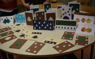 Izdelali smo novoletne čestitke/ Karácsonyi-újévi képeslapokat készítettünk
