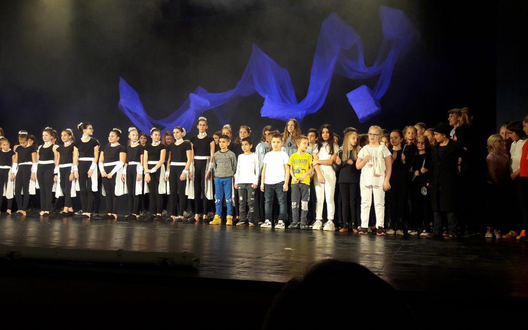 Nastopali na dobrodelni prireditvi Podarjamo glasbo, ples in nasmeh/Fellépés a Zenét, táncot és mosolyt elnevezésű jótékonysági rendezvényen